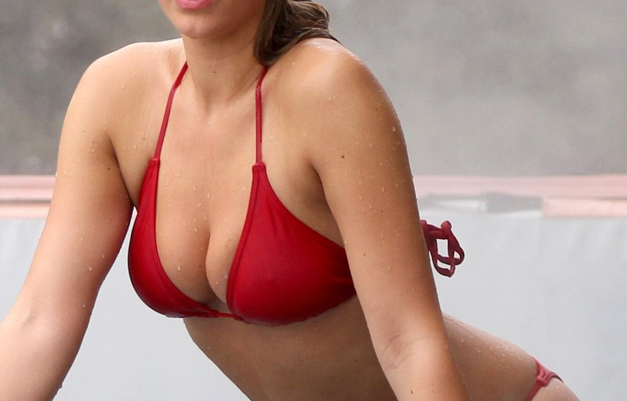Amy-Willerton-Red-Bikini-In-Switzerland-01